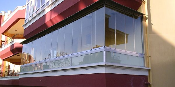 eko-seri-katlanır-cam-balkon