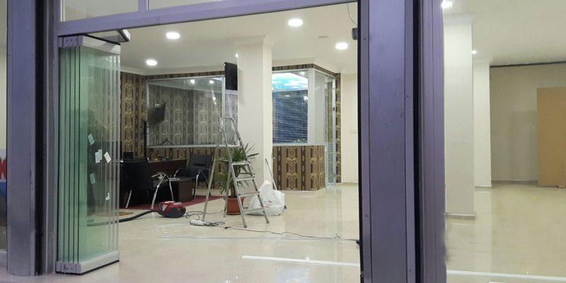 SHOWCASE Üstten Askılı Vitrin Katlanır Cam Balkon Sistemi